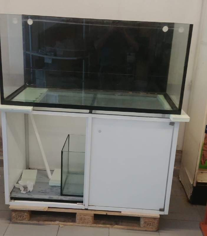 acquario usato 130
